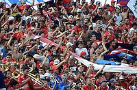 MEDELLÍN -COLOMBIA-24-05-2015. Hinchas del Independiente Medellin animan a su equipo durante el encuentro de vuelta con Atlético Junior por los cuartos de final de la Liga Águila I 2015 jugado en el estadio Atanasio Girardot de la ciudad de Medellín./ Fans of Independiente Medellin cheer their team during the second leg match with Atletico Junior for the final quarters of the Aguila League I 2015 played Atanasio Girardot stadium in Medellin city. Photo: VizzorImage/León Monsalve/STR