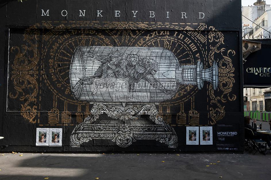 Europe/ Ile de France / Paris /75011 : le Monkey Bird Crew est à l'honneur du Mur Oberkampf. Monkeybird est né de l'association de deux artistes français, Louis Boidron et Edouard Egea. Le mur d'Oberkampf, ce pari fou devenu une institution du street art parisien  sur l'immeuble de l'historique Café Charbon, L'association le M.U.R. (modulable, urbain, réactif)   -OP Oeuvre protégée//  Europe / Ile de France / Paris / 75011: the Monkey Bird Crew is in honor of the Oberkampf Wall. Monkeybird was born from the association of two French artists, Louis Boidron and Edouard Egea. The Oberkampf wall, this crazy bet that has become an institution of Parisian street art on the building of the historic Café Charbon, the M.U.R. (modular, urban, responsive) OP Protected work
