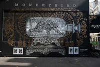 Europe/ Ile de France / Paris /75011 : le Monkey Bird Crew est à l'honneur du Mur Oberkampf. Monkeybird est né de l'association de deux artistes français, Louis Boidron et Edouard Egea. Le mur d'Oberkampf, ce pari fou devenu une institution du street art parisien  sur l'immeuble de l'historique Café Charbon, L'association le M.U.R. (modulable, urbain, réactif)   -OP Oeuvre protégée//  Europe / Ile de France / Paris / 75011: the Monkey Bird Crew is in honor of the Oberkampf Wall. Monkeybird was born from the association of two French artists, Louis Boidron and Edouard Egea. The Oberkampf wall, this crazy bet that has become an institution of Parisian street art on the building of the historic Café Charbon, the M.U.R. (modular, urban, responsive) OP Protected work