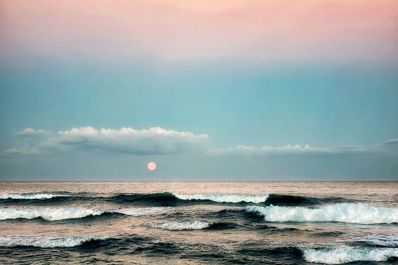 Moonset. Hawaii, The Big Island.