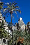 Spain, Province Alicante, El Castell de Guadalest: San Jose gate and Bell Tower of the mountain village | Spanien, Provinz Alicante, El Castell de Guadalest: San Jose Tor und Glockenturm