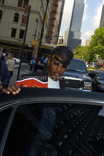 WWW.ACEPIXS.COM ** ** ** ....NEW YORK, MAY 16, 2005....Jamie Foxx heads out of his midtown hotel on a beautiful spring day.....Please byline: Philip Vaughan -- ACE PICTURES... *** ***  ..Ace Pictures, Inc:  ..Craig Ashby (212) 243-8787..e-mail: picturedesk@acepixs.com..web: http://www.acepixs.com