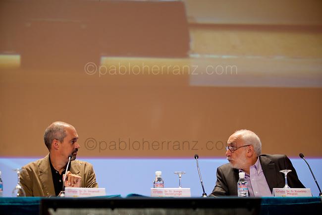 Congreso anual de la FAD (Fundación de Ayuda contra la Drogadicción). Mesa Redonda III. Ponentes: Lluís Sáez, Imanol Zubero, Jorge Verstrynge. Moderador: Eusebio Megías.