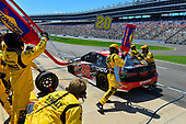 2017 Monster Energy NASCAR Cup Series<br /> O'Reilly Auto Parts 500<br /> Texas Motor Speedway, Fort Worth, TX USA<br /> Sunday 9 April 2017<br /> Matt Kenseth Toyota Let's Go Places Toyota Camry makes a pit stop, Sunoco <br /> World Copyright: Logan Whitton/LAT Images<br /> ref: Digital Image 17TEX1LW3121