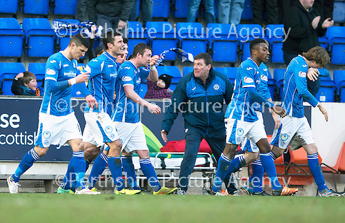 St Johnstone v Motherwell…20.02.16   SPFL   McDiarmid Park, Perth<br />Tommy Wright tries to get his players organised after Tam Scobbie celebrated his goal<br />Picture by Graeme Hart.<br />Copyright Perthshire Picture Agency<br />Tel: 01738 623350  Mobile: 07990 594431