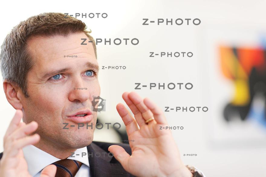 Interview mit Lukas Ga?hwiler ,CEO UBS Switzerland im Hauptsitz in Zuerich an der  Bahnhofstrasse 45, am 16. April 2010..Copyright © Zvonimir Pisonic