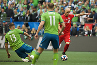 SEATTLE, WA - NOVEMBER 10: Toronto FC midfielder Michael Bradley #4 takes a shot during a game between Toronto FC and Seattle Sounders FC at CenturyLink Field on November 10, 2019 in Seattle, Washington.