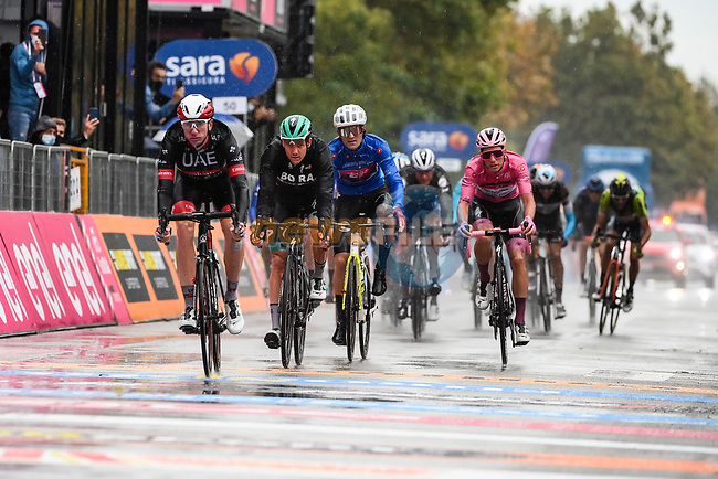 Race leaders group crosses the finish line at the end of Stage 12 of the 103rd edition of the Giro d'Italia 2020 running 204km from Cesenatico to Cesenatico, Italy. 15th October 2020.  <br /> Picture: LaPresse/Marco Alpozzi | Cyclefile<br /> <br /> All photos usage must carry mandatory copyright credit (© Cyclefile | LaPresse/Marco Alpozzi)