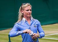 London, England, 8 th July, 2017, Tennis,  Wimbledon, Lineswoman prepares balls<br /> Photo: Henk Koster/tennisimages.com