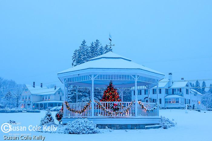 Christmas snowfall in Sullivan, Hancock County, ME, USA