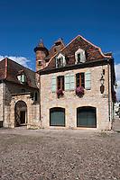 Europe/Europe/France/Midi-Pyrénées/46/Lot/Bretenoux: Maison du XV sur la Place des Consuls de la Bastide