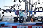 Les organisateurs viennent exprimer leur soutien aux victimes du 14 juillet - Reprise du festival azureen Jazz a Juan apres l'attentat de Nice a la Pinede Gould de Juan-les-Pins a Antibes