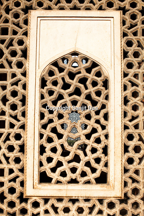 Intricate designs are seen at the Humayun's tomb in New Delhi, India. Photo: Sanjit Das/Panos pour Le Point