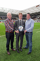 Pictured: Alan Tate (C) with match ball sponsors. Saturday 31 December 2011<br />