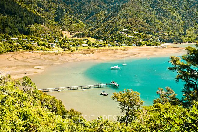 Ngakuta Bay on Queen Charlotte Scenic Drive - Marlborough Sounds , New Zealand