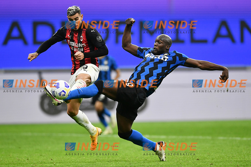 Theo Hernandez of AC Milan and Romelu Lukaku of FC Internazionale compete for the ball during the Serie A football match between FC Internazionale and AC Milan at stadio San Siro in Milano (Italy), October 17th, 2020. Photo Image Sport / Insidefoto