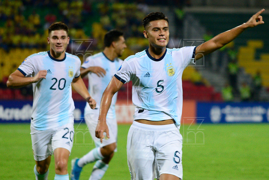 BUCARAMANGA – COLOMBIA, 03-02-2020: Fausto Vera de Argentina celebra después de anotar el segundo gol de su equipo durante partido entre Argentina U-23 y Uruguay U-23 por el cuadrangular final como parte del torneo CONMEBOL Preolímpico Colombia 2020 jugado en el estadio Alfonso Lopez en Bucaramanga, Colombia. / Fausto Vera of Argentina celebrates after scoring the second goal of his team during the match between Argentina U-23 and Uruguay U-23 for for the final quadrangular as part of CONMEBOL Pre-Olympic Tournament Colombia 2020 played at Alfonso Lopez stadium in Bucaramanga, Colombia. Photo: VizzorImage / Julian Medina / Cont