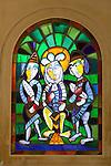 France, Provence-Alpes-Côte d'Azur, Saint-Jean-Cap-Ferrat: Stained glass window, Saint Hospice chapel | Frankreich, Provence-Alpes-Côte d'Azur, Saint-Jean-Cap-Ferrat: modernes Kirchenfenster in der Saint Hospice Kapelle