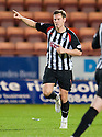 PARS ANDY BARROWMAN CELEBRATES AFTER HE SCORES DUNFERMLINE'S FIRST GOAL