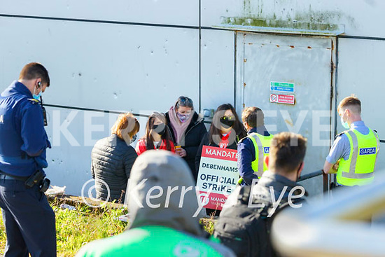 Former Debenhams workers in a stand off with Gardai on Wednesday which ended with KPMG workers entering the building.