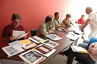 "Jurados do sal""o Arte Par· 2004<br /> Foto Paulo Santos<br /> Belém Pará  Brasil<br /> 10/09/2004"