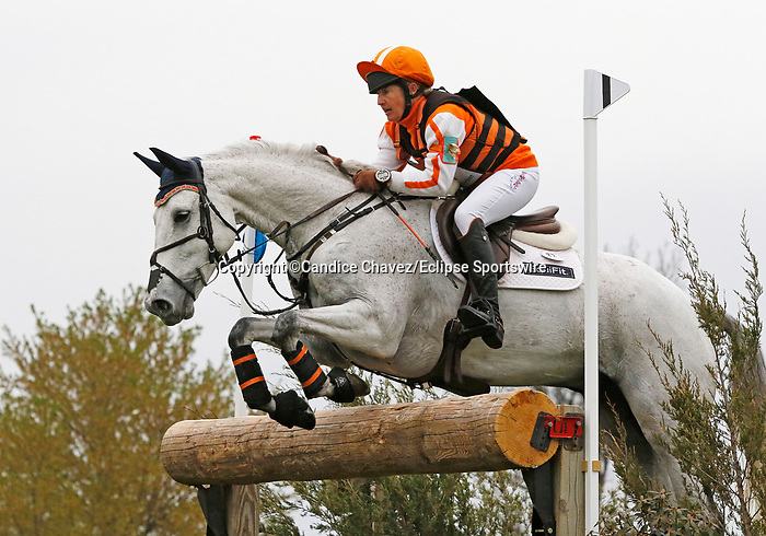 April 24, 2021: #22 Cooley On Show and rider Sharon White in the Cross Country test at the Land Rover Three Day Event at the Kentucky Horse Park in Lexington, KY on April 24, 2021.  Candice Chavez/ESW/CSM