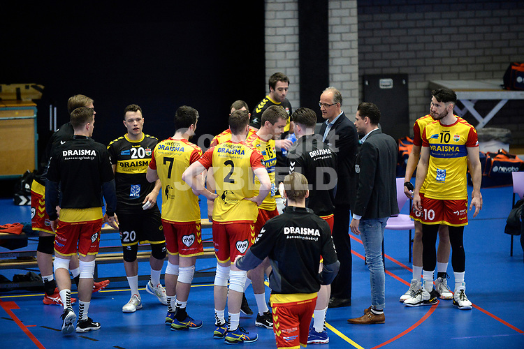 18-04-2021: Volleybal: Amysoft Lycurgus v Draisma Dynamo: Groningen, time out Dynamo