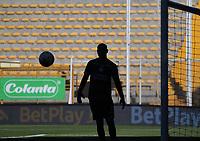 BOGOTA -COLOMBIA, 10-10-2020:Diego Novoa guardameta de La Equidad. La Equidad y Once Caldas  en partido por la fecha 13 de la Liga BetPlay DIMAYOR I 2020 jugado en el estadio Estadio Metropolitano de Techo de la ciudad de Bogotá. /Deg Novoa goalkeeper of Equidad. La Equidad and Once Caldas in match for the date 13 BetPlay DIMAYOR League I 2020 played at Metropolitano de Techo stadium in Bogota city. Photo: VizzorImage/ Felipe Caicedo / Staff