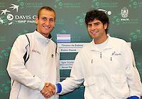 06-05-10, Zoetermeer, SilverDome, Tennis,  Davis Cup, Netherlands-Italy, De Bakker(L) and Simone Bolelli playing first rubber