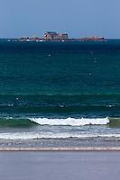 France, Ille-et-Vilaine (35), Côte d'Emeraude, Saint-Malo:  Fort du Petit Bé: Ce fort Vauban XVII° jouit d'une position exceptionnelle au coeur de la baie de Saint-Malo  // France, Ille et Vilaine, Cote d'Emeraude (Emerald Coast), Saint Malo, Petit Bé is a tidal island, On Petit Bé is a fort built in the 17th century. It was part of the defense belt designed by Vauban
