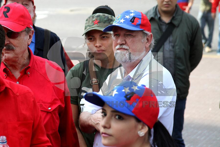 João Pedro Stedile, líder do MST (Movimento Sem Terra) no último comício do candidato à presidente, Nicolas Maduro antes da eleição de 14 de abril de 2013. FOTO: AMANDA PEROBELLI/BRAZIL PHOTO PRESS