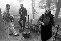 - Bosnian refugees, Lika plateau, near the border with the Serbian Kraina<br /> <br /> - profughi bosniaci , altopiano di Lika, presso il confine con la Kraina serba
