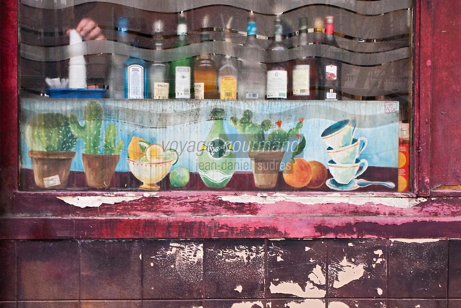 Europe/France/Ile de France/75010/Paris: Détail façade d'un bar , quai de Valmy sur les bords du Canal Saint-Martin