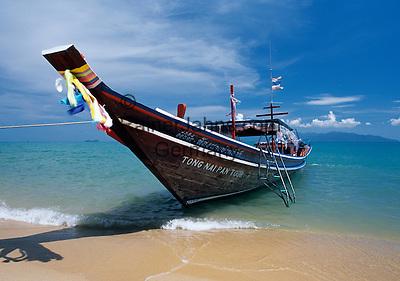 Thailand, island Ko Samui, Maenam Beach: Long-Tail-Boot for island Ko Pha Ngan