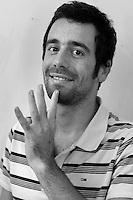 Marco Verni,grafiche, web e regiadi Radio Kaos ItaLIS. La redazione di Radio Kaos ItaLIS, web radio di e per sordi, progetto creato dall'Associazione culturale Radio Kaos Italy..The editorial staff of Radio Kaos ItaLIS, web radio for the deaf, the project created by the Cultural Radio Kaos Italy.