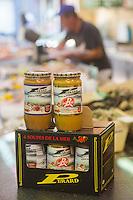 France, Pas-de-Calais (62), Côte d'Opale, Le Touquet: Soupe de poisson Pérard, à la Poissonnerie, restaurant Pérard  // France, Pas de Calais, Opal Coast, Le Touquet : Fish soup Pérard, the Fish, Pérard restaurant