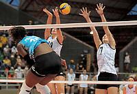 CALI - COLOMBIA, 19-09-2021: Chile (CHI) y Argentina (ARG) en partido como parte del XXXIV Campeonato Sudamericano de Voleibol Femenino 2021 en el coliseo Luis F Castellanos de Barrancabermeja, Colombia. / Chile (CHI) and Argentina (ARG) in a match as part of XXXIV South American Women's Volleyball Championship 2021 at the Luis F Castellanos Coliseum in Barrancabermeja, Colombia .  Photo: VizzorImage / Nelson Rios / Cont