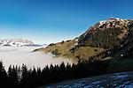 Austria, Tyrol, Kitzbuehel: view towards Kitzbueheler Horn mountain, at background Wilder Kaiser mountains | Oesterreich, Tirol, Kitzbuehel: Blick zum Kitzbueheler Horn mit Sendemast, im Hintergrund das Kaisergebirge mit dem Wilden Kaiser