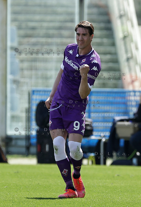 Dusan Vlahovic of Fiorentina celebrates during the  italian serie a soccer match,Fiorentina - Juventus at  theStadio Franchi in  Florence Italy ,