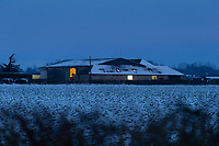 26-1-2021 Farm buildings at first light<br /> ©Tim Scrivener Photographer 07850 303986<br />      ....Covering Agriculture In The UK....<br /> <br /> r