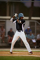 Tyler Williams during the WWBA World Championship at the Roger Dean Complex on October 19, 2018 in Jupiter, Florida.  Tyler Williams is an outfielder from Stone Mountain, Georgia who attends Redan High School.  (Mike Janes/Four Seam Images)