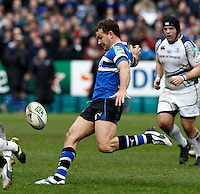 Photo: Richard Lane/Richard Lane Photography. Bath Rugby v Leinster. Heineken Cup. 11/12/2011. Bath's Olly Barkley kicks.