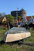 Fischerboote trocknen auf Frederiksø, Ertholmene (Erbseninseln) bei Bornholm, Dänemark, Europa<br /> Fishing boats on Frederiksø, Ertholmene, Isle of Bornholm Denmark