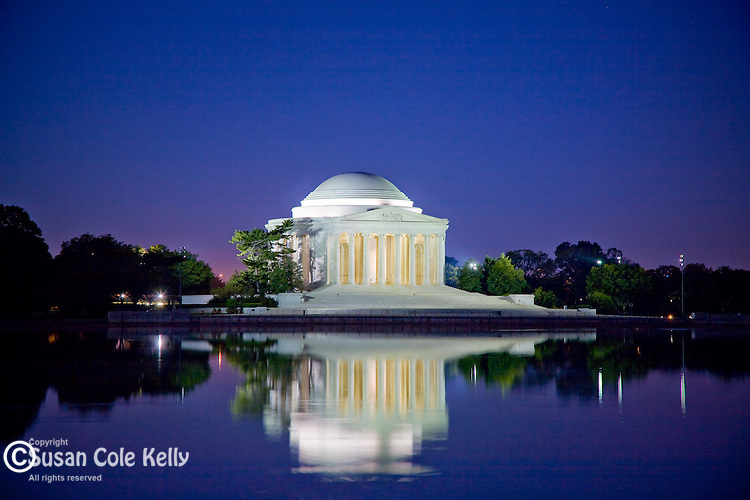 Reflection of the Jefferson Monument, Washington, DC, USA