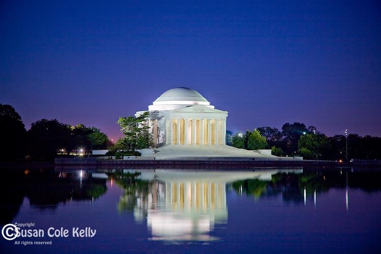 Reflection of the Jefferson Monument, Washington, DC, USA