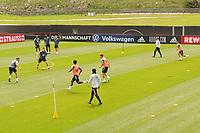 Bundestrainer Joachim Loew (Deutschland Germany) schaut sich das Trainingsspiel genau an - Seefeld 04.06.2021: Trainingslager der Deutschen Nationalmannschaft zur EM-Vorbereitung