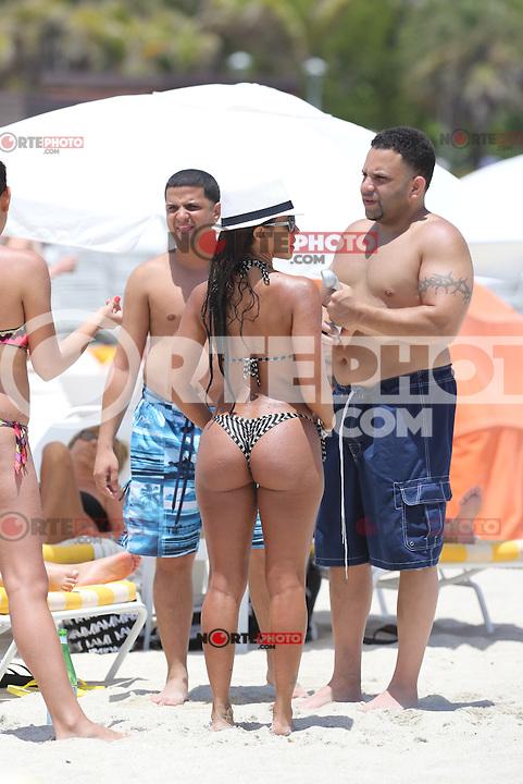 APRIL 25 2013.SEXY VIDA GUERRA IN MIAMI BEACHES UNDER FLORIDA SUN.Non Exclusive.Mandatory Credit: KDNPIX.COM..Ref: KDN_XIM ++<br /> ©/NortePhoto