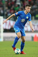 Robin Knoche #31 (VfL Wolfsburg), FC Augsburg vs. VfL Wolfsburg, 1.Bundesliga, 25.11.2017 *** Local Caption *** © pixathlon<br /> Contact: +49-40-22 63 02 60 , info@pixathlon.de