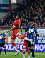 KV Kortrijk - Club Brugge : kopduel tussen Fabien Boyer (links) en Lior Refaelov (r) <br /> Foto VDB / Bart Vandenbroucke