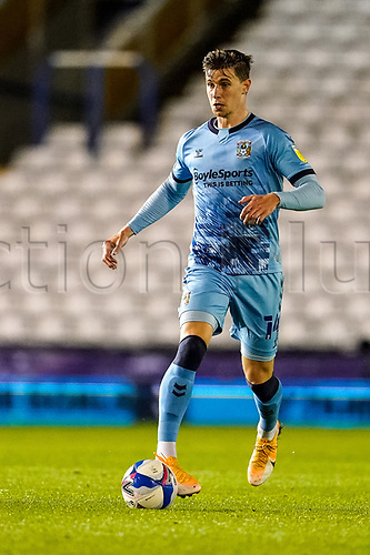 20th November 2020; St Andrews Stadium, Coventry, West Midlands, England; English Football League Championship Football, Coventry City versus Birmingham City; Ben Sheaf of Coventry City brings the ball forward
